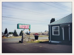 motel / green / red / Port Angeles, WA / May 30, 31